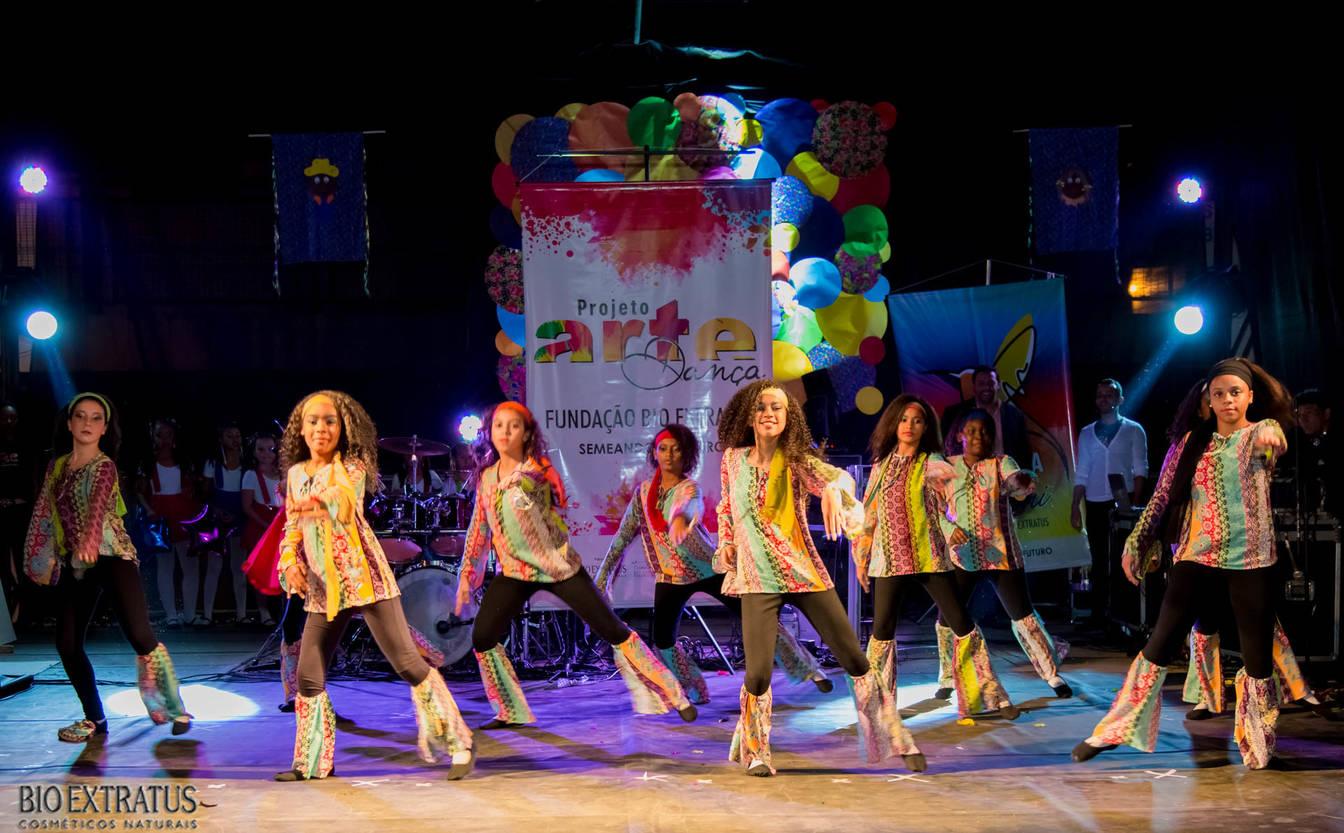 Projeto Arte & Dança da Fundação Bio Extratus brilha no Festival Cultural de Alvinópolis - 10