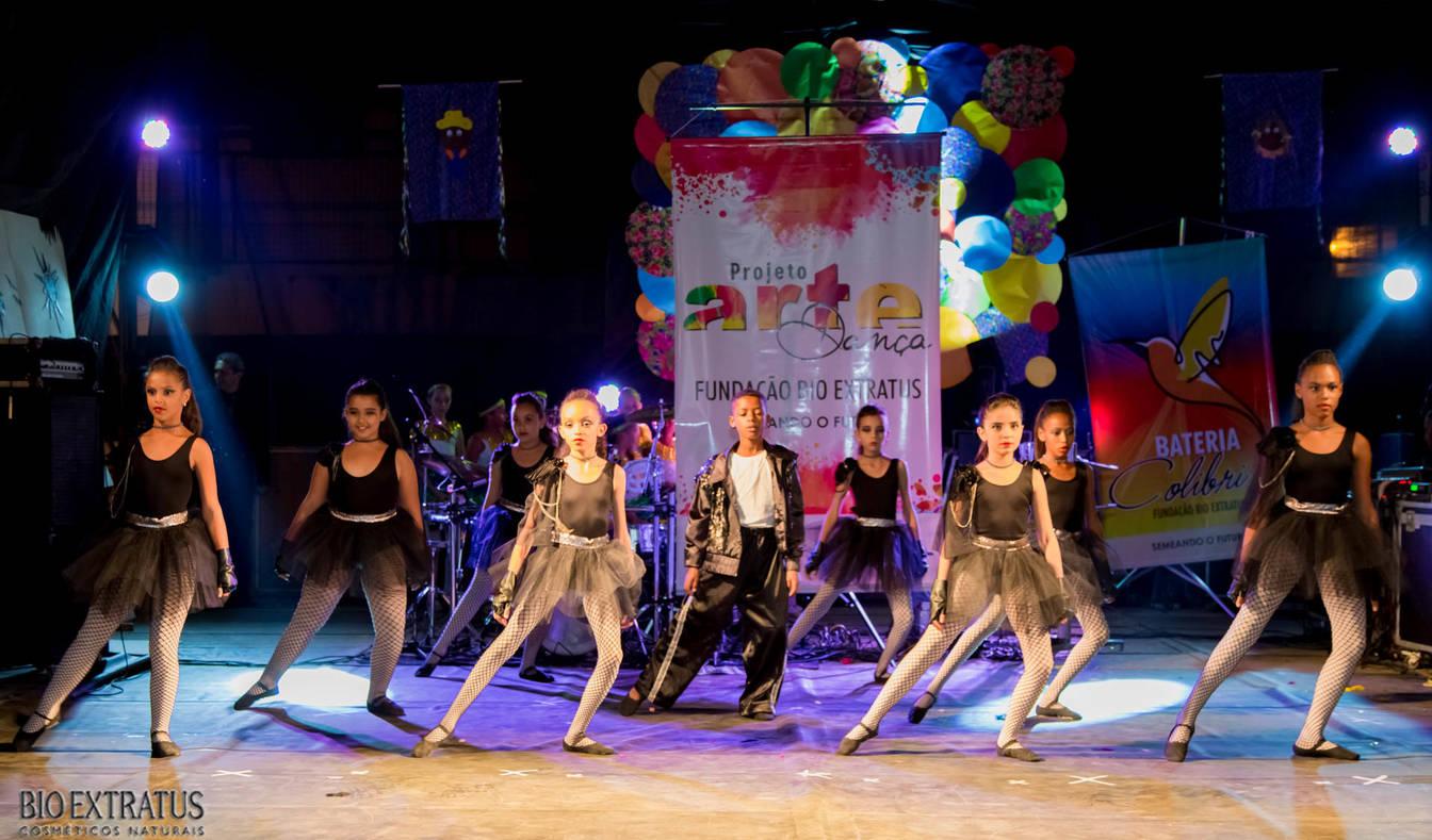 Projeto Arte & Dança da Fundação Bio Extratus brilha no Festival Cultural de Alvinópolis - 3