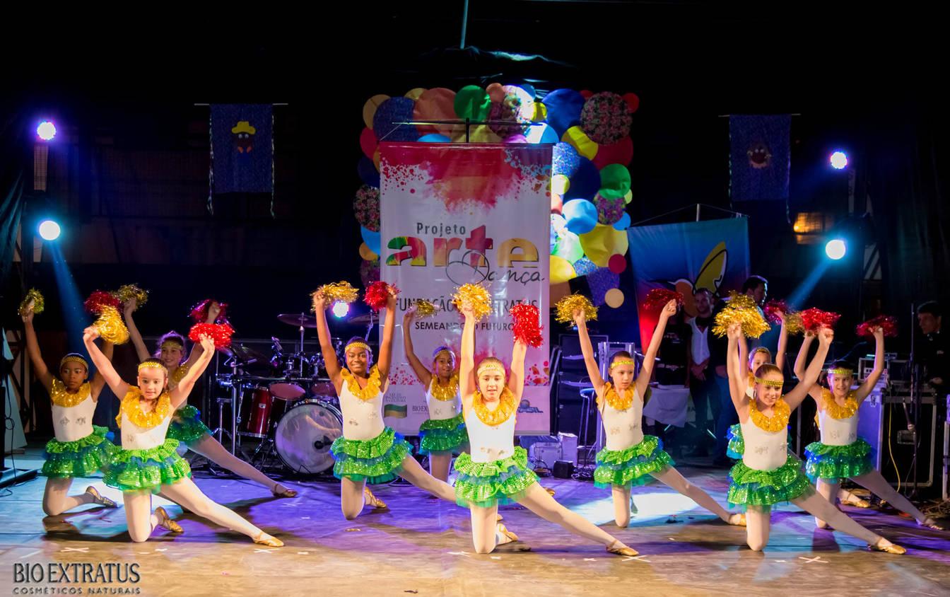 Projeto Arte & Dança da Fundação Bio Extratus brilha no Festival Cultural de Alvinópolis - 6