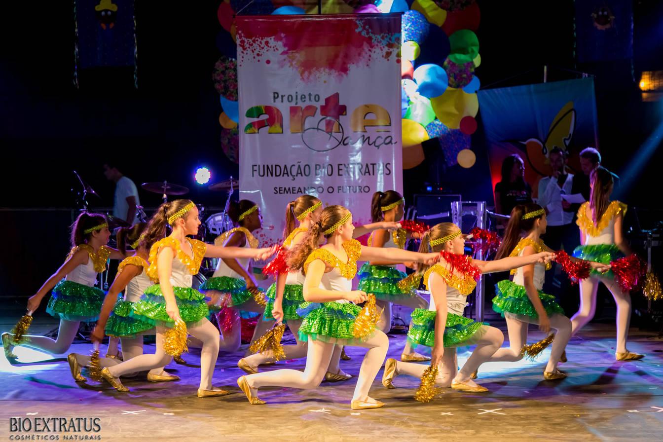 Projeto Arte & Dança da Fundação Bio Extratus brilha no Festival Cultural de Alvinópolis - 7
