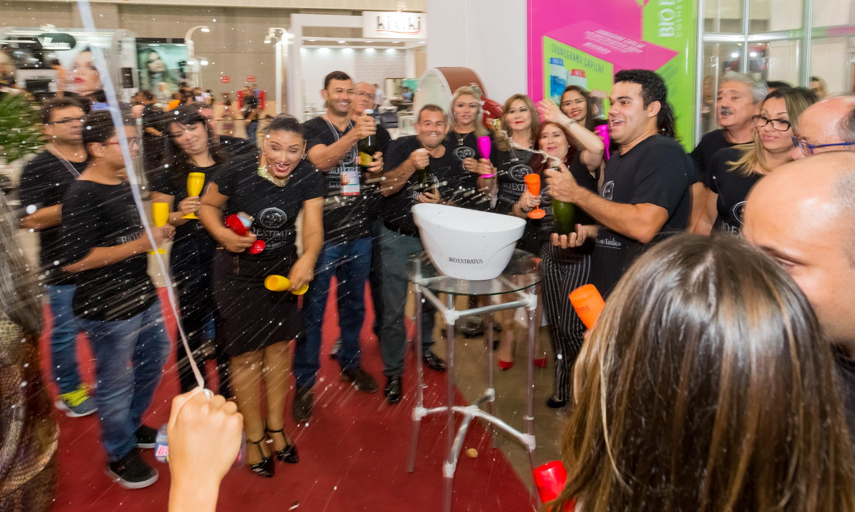 Bio Extratus é sucesso no 26 Encontro Regional da Beleza - 119