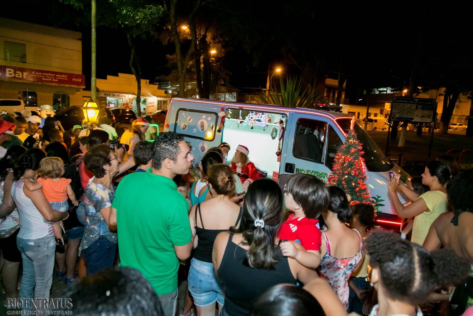 Papai Noel na Praça São Sebastião - 2015 - Alvinópolis (19)