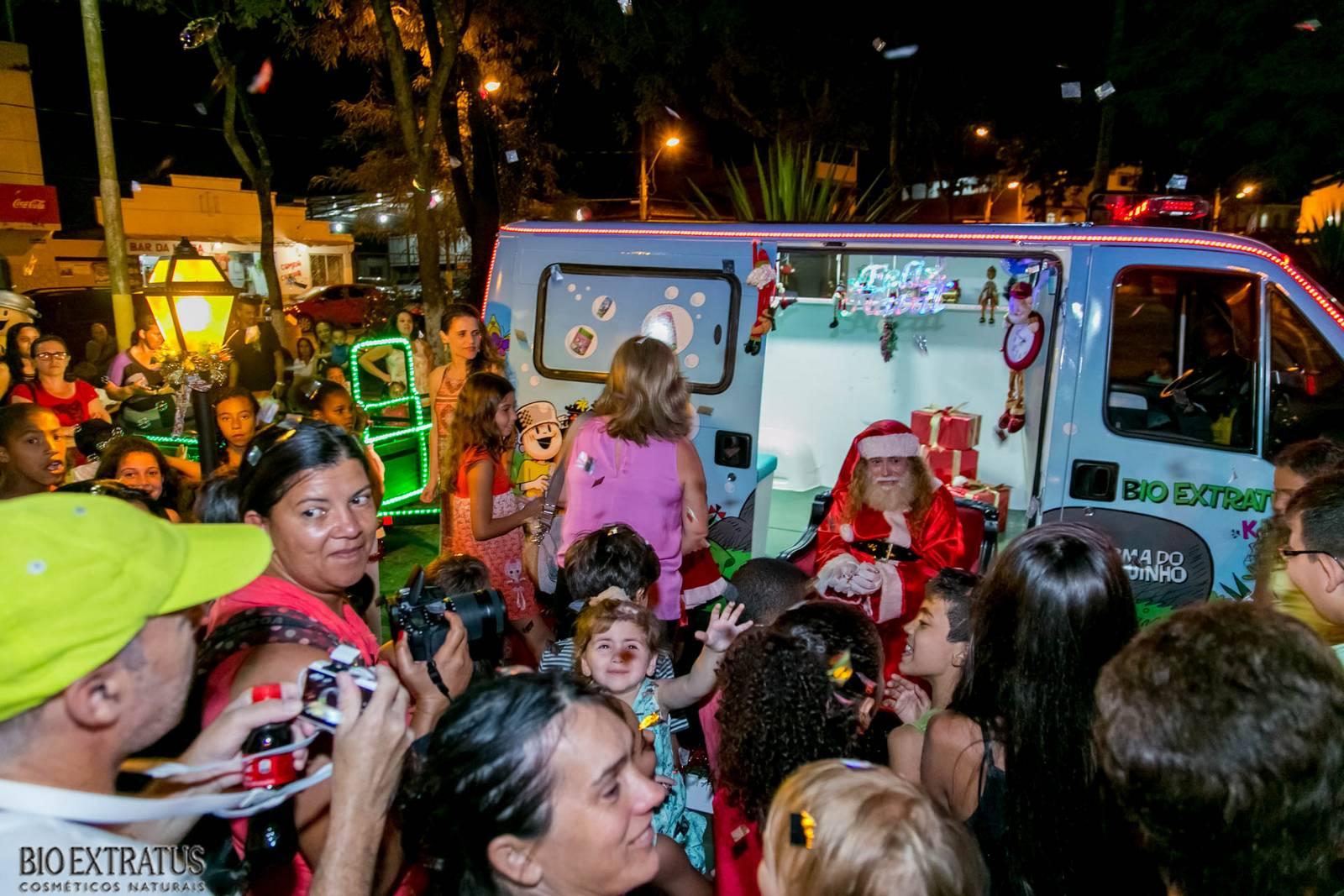 Papai Noel na Praça São Sebastião - 2015 - Alvinópolis (20)